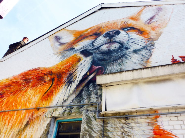 close-up of the Irony and Boe mural of two foxes in Walthamstow