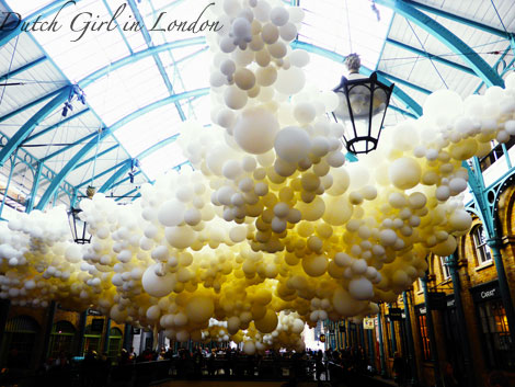Charles-Petillon-Up-Up-and-Away-balloons-installation-Covent-Garden