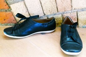 v&a-shoes-pain-and-pleasure-clarks-flat-shoes