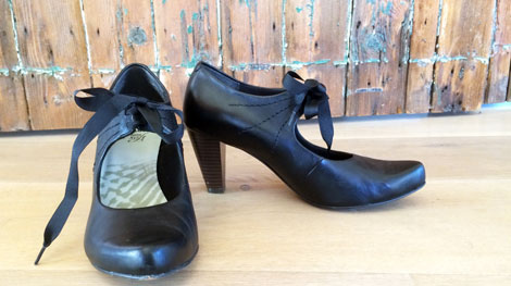 v&a-shoes-pain-and-pleasure-clarks