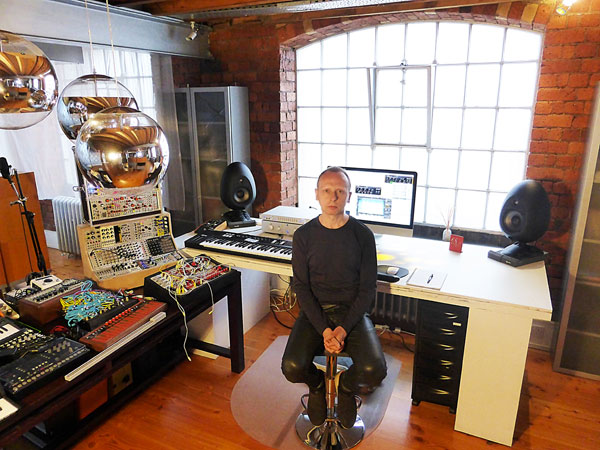 Scanner-Robin-Rimbaud-music-studio