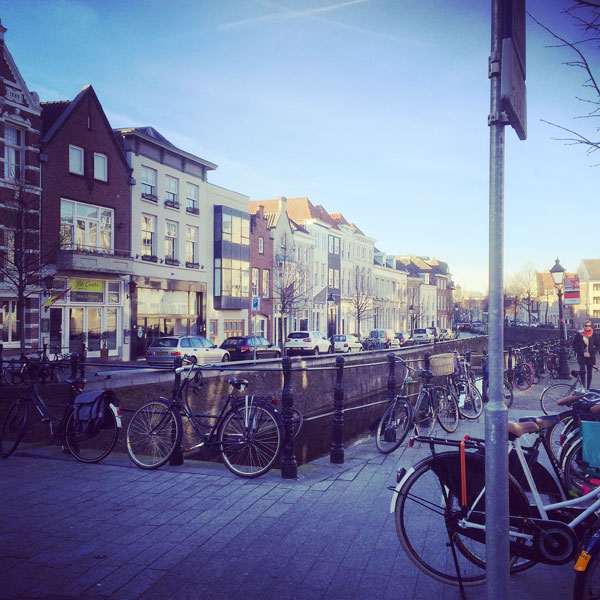 straatbeeld-street-scene-dutch-bike