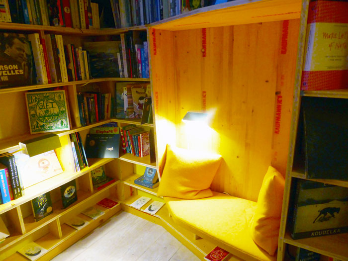 Libreria-bookshop-reading-alcove-London