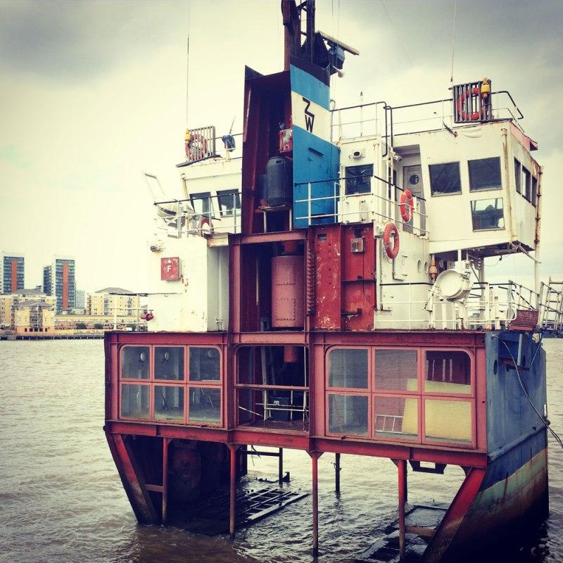 Richard-Wilson-The-Line-Dutch-Girl-in-London