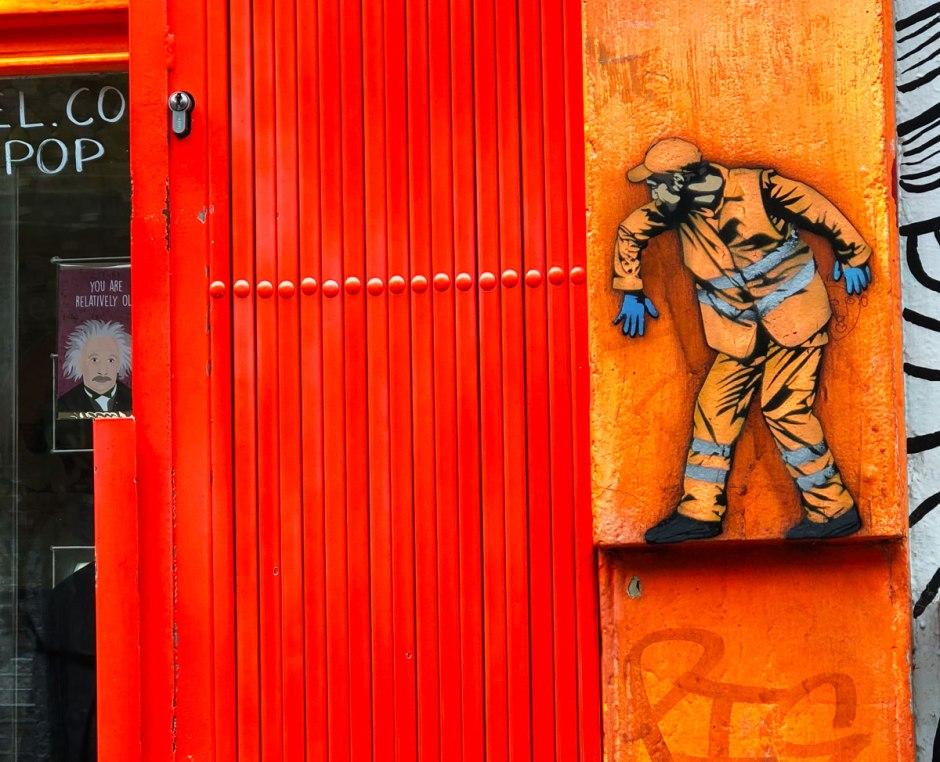 Jaune-street-art-Sclater-Street-Dutch-Girl-in-London