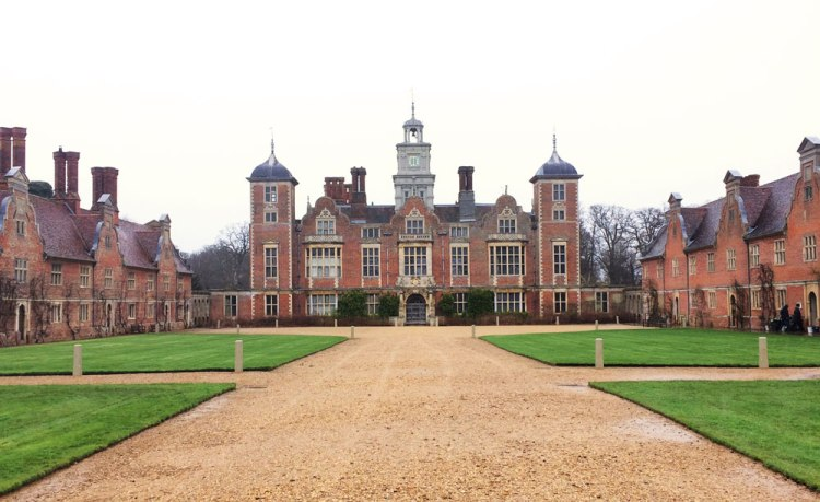 Blickling-Estate-Dutch-Girl-in-London
