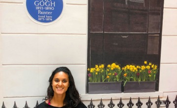 Dutch Girl in London sitting by Van Gogh blue plaque
