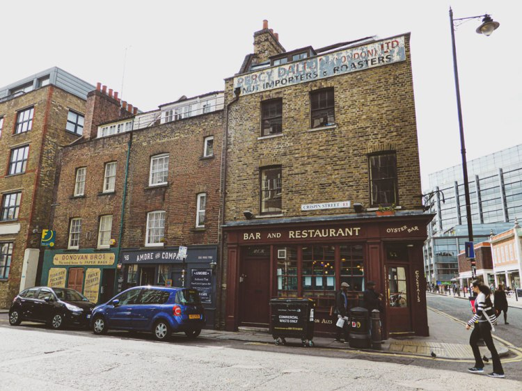 ghost sign of Percy Dalton nut importers and roasters on Crispin Street