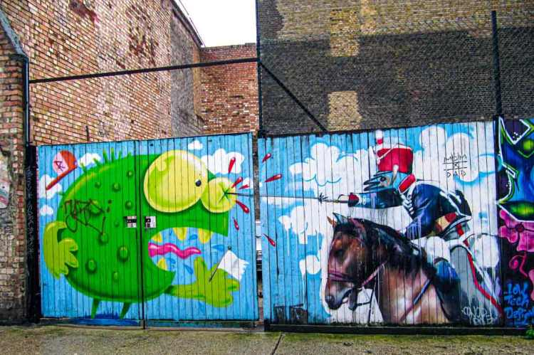 shutter art of a baroque-style soldier with a bird's head fighting a fantasy monster