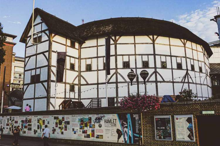 exterior shot of Globe Theatre, London