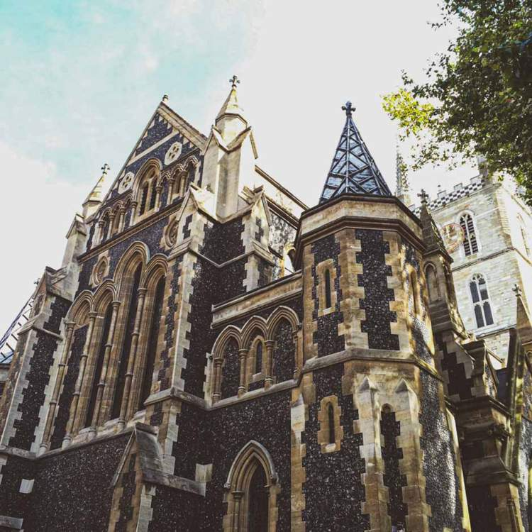exterior shot of Southwark Cathedral, London