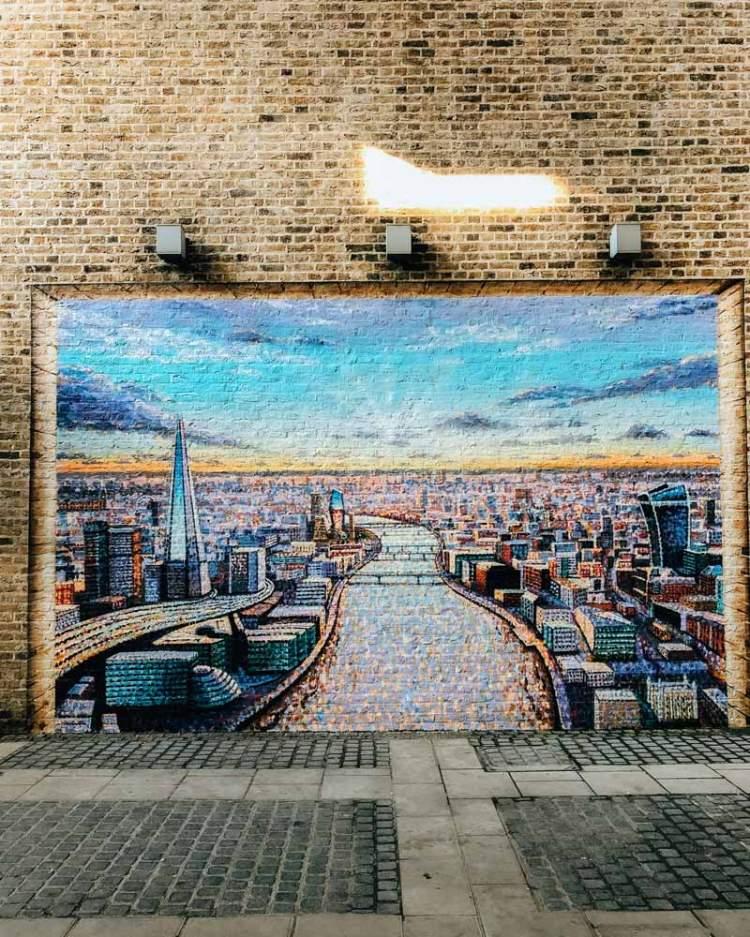 JimmyC mural of London skyline by Blackfriars Station