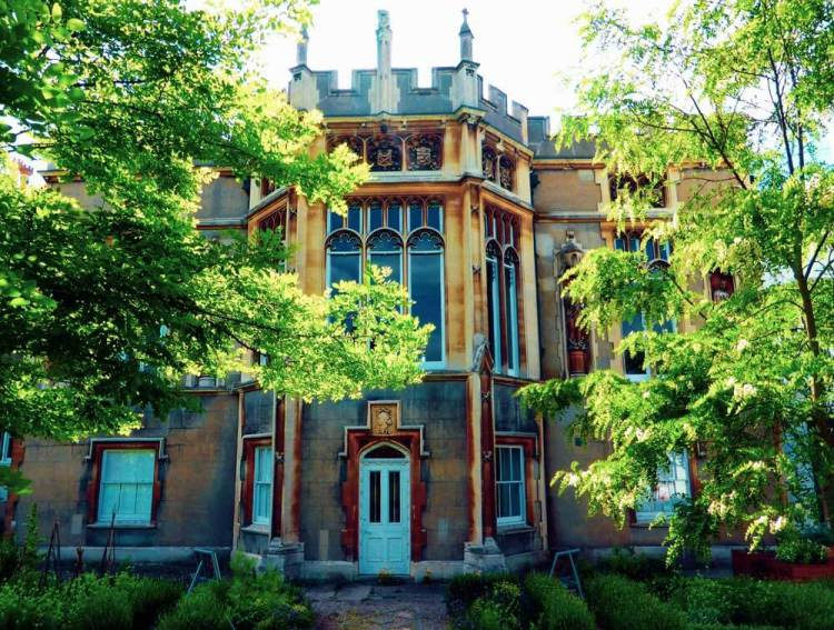 Strawberry Hill Horace Walpole gothic castle garden