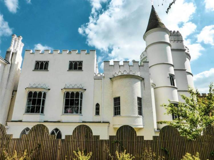 exterior of the Strawberry Hill House with a view of the turret